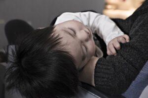 jak-nauczyć-dziecko-samodzielnego-zasypiania